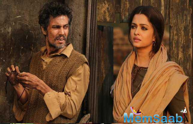 """The Uttar Pradesh government yesterday declared Aishwarya Rai Bachchan starrer """"Sarbjit"""" tax free. Its makers are humbled by the gesture."""