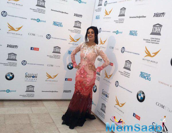 Mallika Sherawat attended the dinner wearing an Alexis Mabille ensemble and she looked sensational