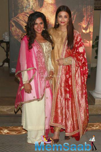 Randeep Hooda plays Sarabjit in the film, while actress Aishwarya Rai Bachchan is seen as his sister Dalbir, and Richa plays Sarabjit's wife Sukhpreet.