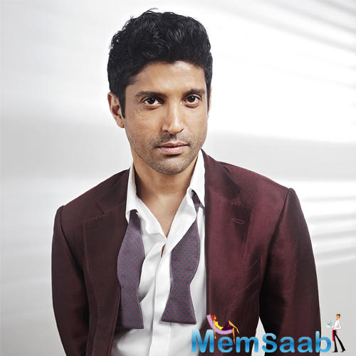Actor Farhan Akhtar is in the procedure of composing the script for an award function, which he will be hosting.