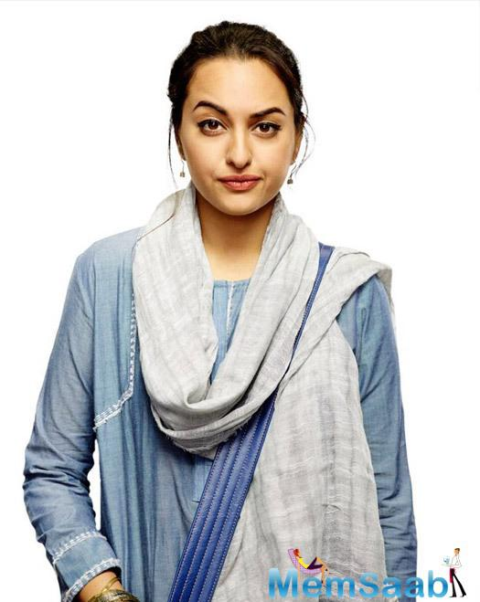 Check out Sonakshi Sinha's first look from her upcoming flick Noor, Where she  is all set to play the role of a journalist