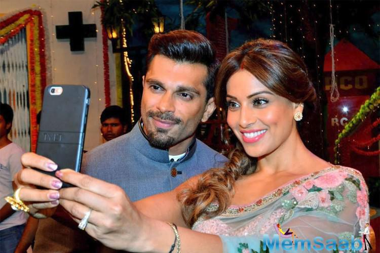The couple spent a quality time, walked in hand-in-hand and took selfies as well on the set of The Kapil Sharma Show.