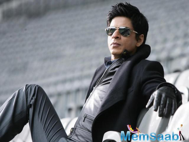 According to reports, the Bollywood superstar SRK is likely to be appointed brand ambassador for Apple in India.