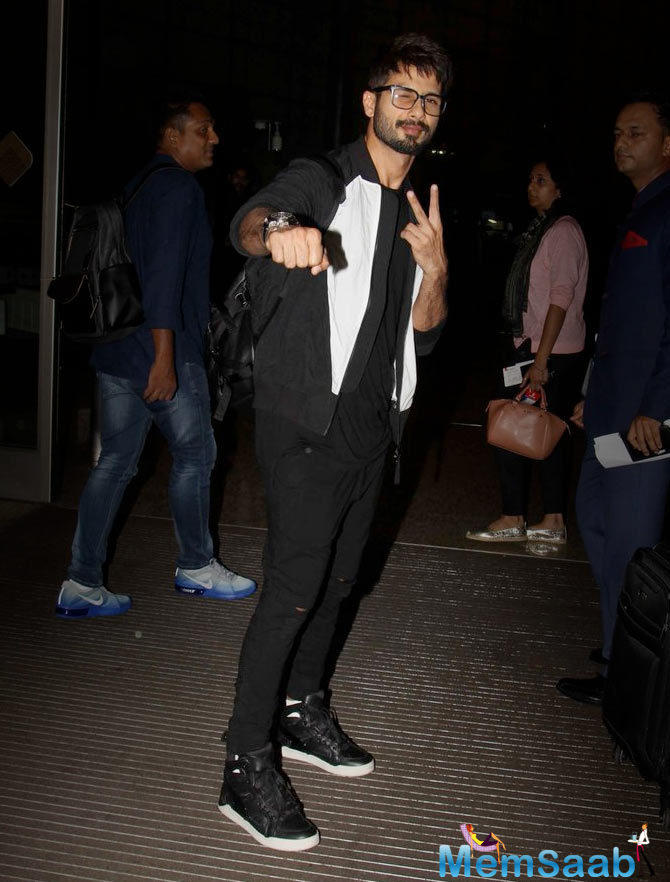 Shahid Kapoor and wife Mira Rajput are entering a new phase of their life and are expecting their first child in September soon-to-be father Shahid Kapoor will host the gala award event with Farhan Akhtar.
