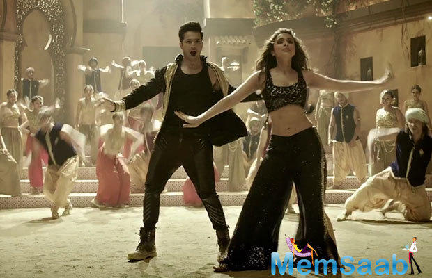 Varun and Parineeti got two days to practice for the song and it was shot in just one take.While it was just a peck on the lips, it showed the amazing chemistry between the actors.