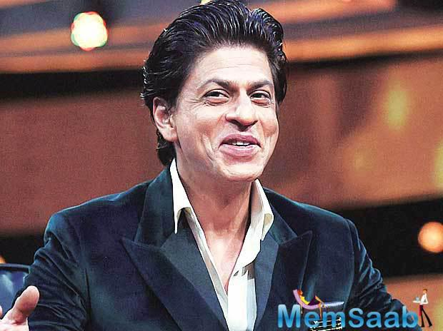 After successfully making his presence felt in Indian cricket through Kolkata Knight Riders, SRK is all now all set to venture into Indian football.He has given his fans many goosebump moments by playing hockey and soccer on screen.