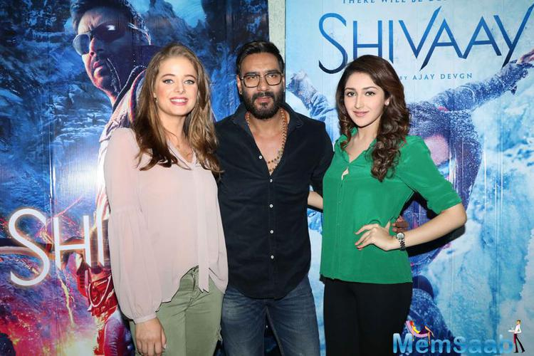 The trailer of the film sees Ajay's action side with snow, fight scenes with numerous car stunts. Bomb blasts were also shown. At the same time, his romantic and emotional side is also on display in numerous scenes.
