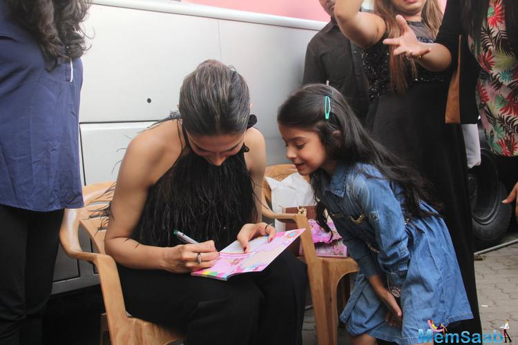The 30-year-old Deepika Padukone, who is one of the leading stars and models of Bollywood, having a huge fan following across the world.