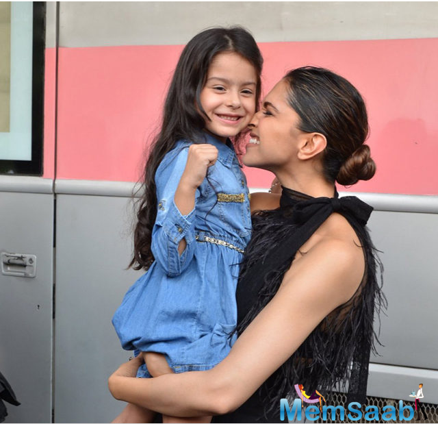 The actress was shooting for a photo shoot and stepped out to visit her vanity van when she met the little cute girl. The adorable girl had essayed the character of a young Deepika in an airline commercial.