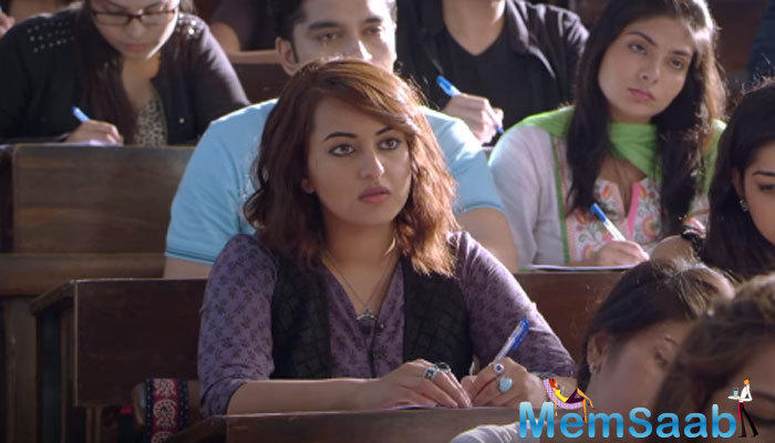 The film sees Sonakshi as Akira Sharma, a girl who comes to Mumbai from Jodhpur, where she gets into a tiff with goons at a college in which she gets enrolled.