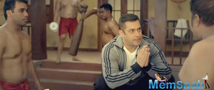 Salman Khan has chosen a wrestling ring for new promo of Bigg Boss season 10.  But this time he isn't wrestling.