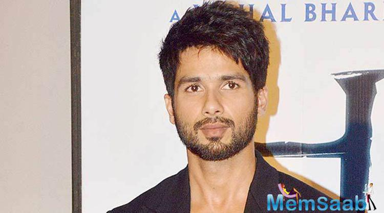 Udta Punjab star Shahid  is famous among the youth for his great physique and body shape. He also tries to work out for one part of the body each day.