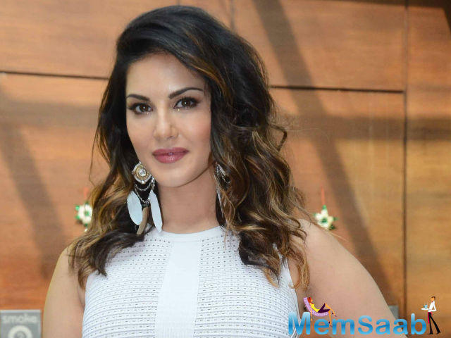 Rajeev Chaudhuri, who has directed Sunny Leone in Beiiman Love, said I think she bears all the talent to get a mainstream heroine.