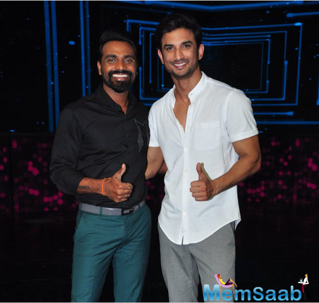 He also got hold of a bat and played the sport on-stage as a part of the promotions. The moment ended up in a happening cricket match on the stage of Dance Plus with host Raghav Juyal taking the plunge of being an Empire.