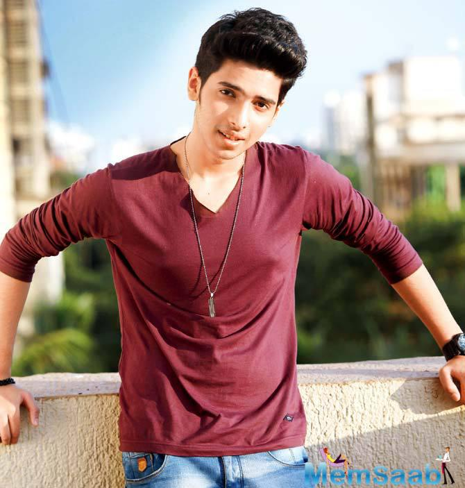 At the age of 21, Playback singer Armaan Mallik is going to get a record to execute at the SSEArena at Wembley in UK.