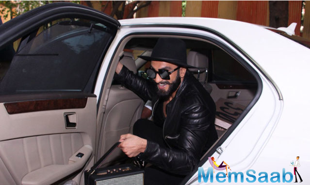 Ranveer Singh stepped out in style for the launch.Ranveer attended the launch of D Shave barber shop owned by his hairstylist Darshan Yewalekar