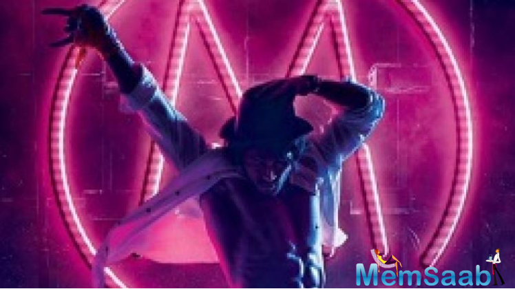Tiger is gaining popularity every single day. He took to Twitter to share the first look in which he is paying tribute to his dancing icon Michael Jackson.