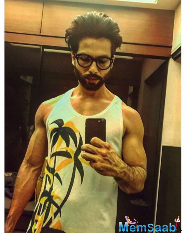 Looks like Udta Punjab star Shahid Kapoor, who recently became a daddy, is getting serious about saving those muscles for the family.