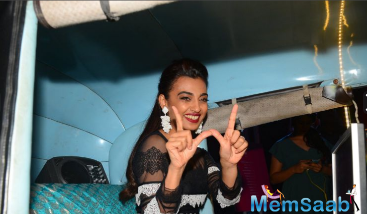 Bollywood starlets Radhika Apte and Jacqueline Fernandez looked absolutely stunning at the launch of a popular joint in Mumbai.