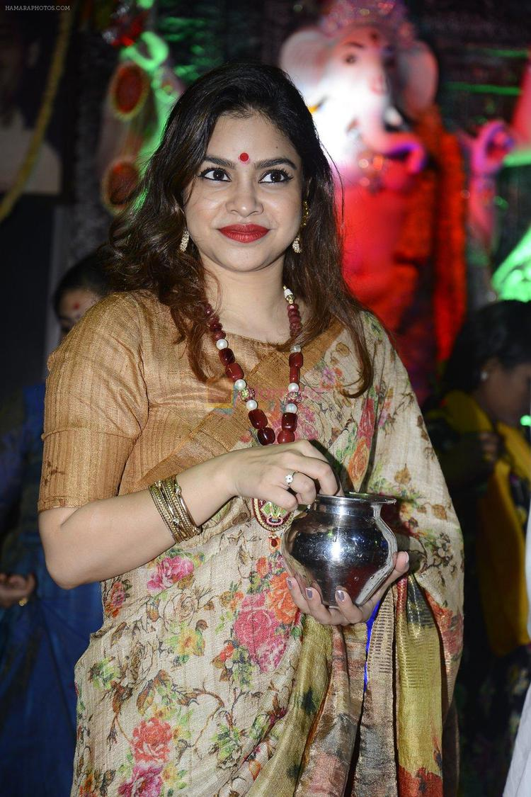 The Kapil Sharma show actor Sumona Chakravarti was also spotted at the event. She looks fabulous in this traditional attire