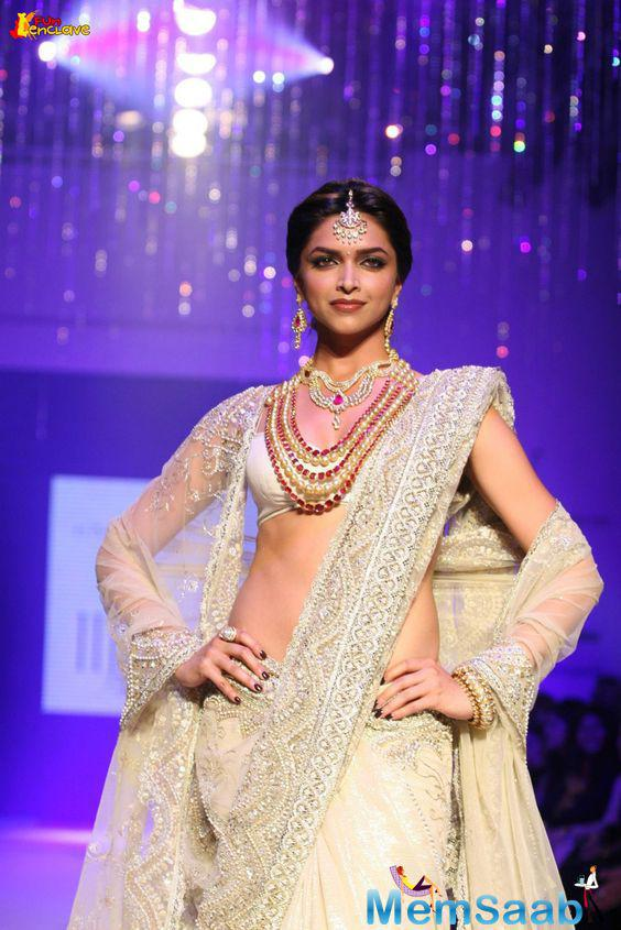 Deepika's upcoming movie Padmavati', which will go on the floor soon, is all set to shoot a traditional Rajasthani dance called `ghoomar'