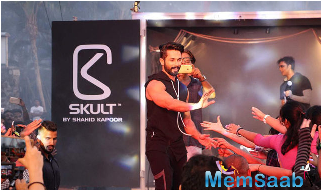 Shahid sported a sleeveless black hoodie along with a pair of matching pants at the launch thus giving a glimpse of his brand's fashion collection. It is unique, relaxed and casual.