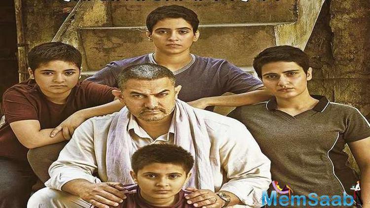 The film tells the story of Mahavir Phogat who teaches wrestling to his two daughters Babita Kumari and Geeta Phogat.