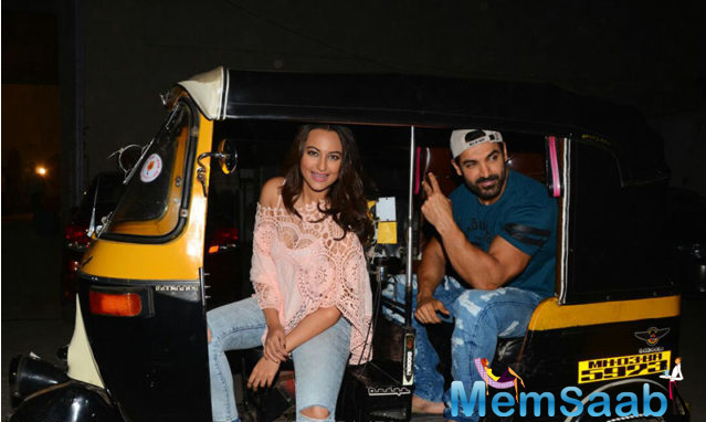 Bollywood action thriller movie Force 2 featured John and Sonakshi  in lead roles.The duo hopped aboard a rickshaw and made for some fun photos during the film's promotions