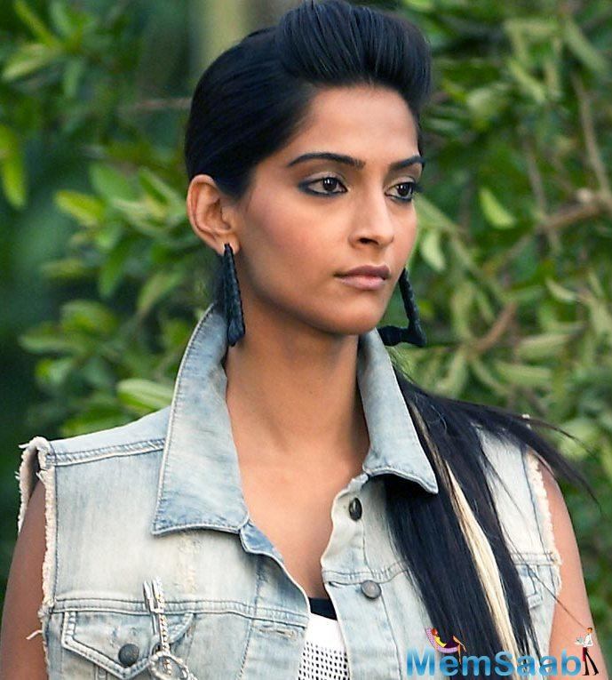 After Rekha, in a recent interview, now Sonam Kapoor revealed a shocking incidence of her life.