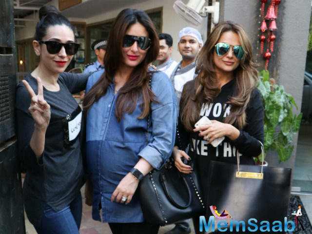 She was clicked with Karisma and Amrita outside a restaurant in the Mumbai suburb of Bandra,