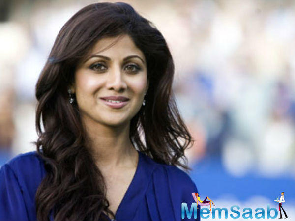 Shilpa Shetty to organize a charity show for orphans In collaboration with British boxer Amir Iqbal Khan.
