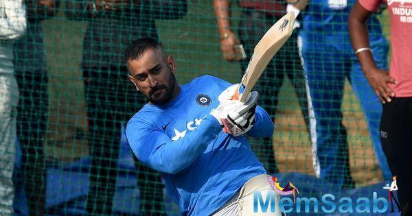 Dhoni explained that he wanted Virat to warm up in his new position before handing over the baton completely.