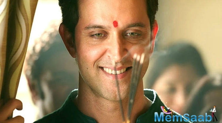 Hrithik started his Bollywood career with Kaho Naa... Pyaar Hai, which was directed by Rakesh Roshan.