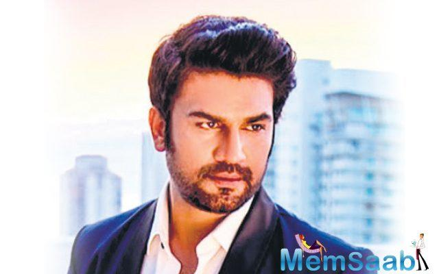 Sharad has the ability to emote extremely well and he fits the character of the negative lead that I want in 'Bhoomi'.