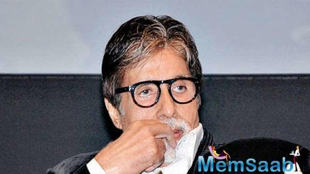 Praising the director-producer, Amitabh said: Rameshji is a great motivator, a wonderful technician, a teacher who takes care of his artists on the set.