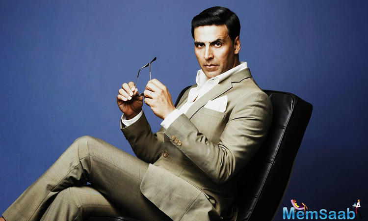 Akshay Kumar continues to do his bit for the jawan's.