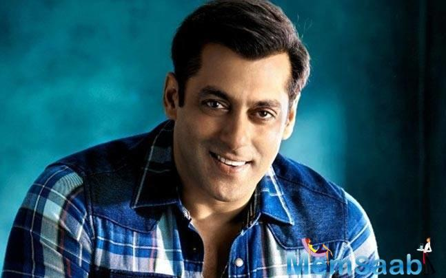 Salman Khan says his family and friends keep him grounded as they do not get affected by his a superstar status.