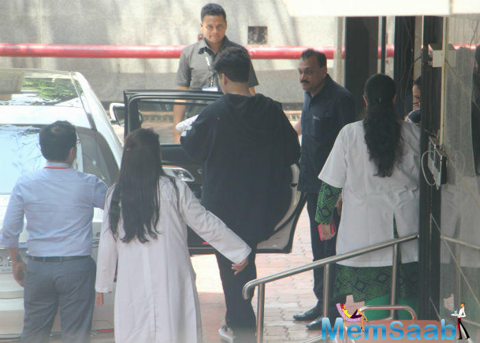 Karan Johar came to receive his children on Wednesday afternoon.