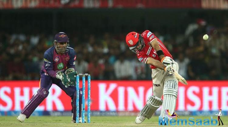 Earlier, the RPS players also struggled in the early and the middle overs, as they lost star batsmen like Ajinkya Rahane, Steve Smith, and Mahendra Singh Dhoni early on.