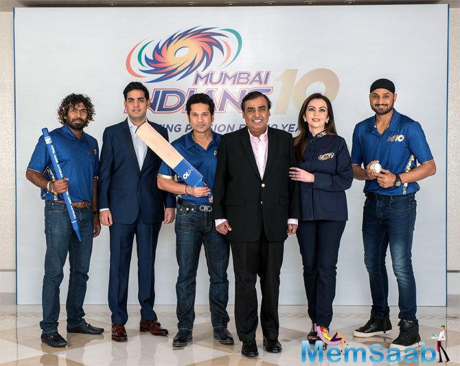 Nita Ambani, Mukesh Ambani host players, staff to celebrate Mumbai Indians' 10 years