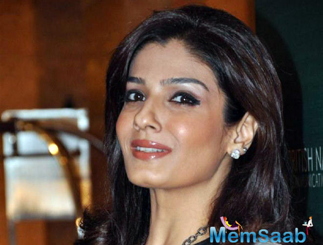 While Salman will be portraying the grown up Hanuman with a heart of gold, Raveena Tandon will be essaying the role of little Hanuman's mother.