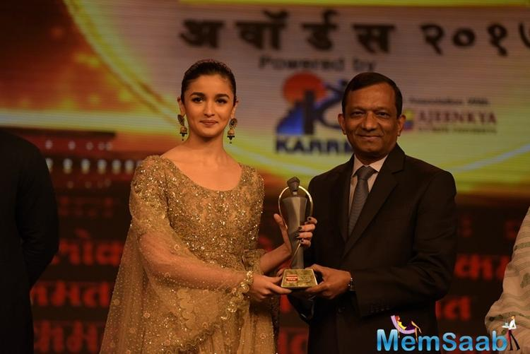 "Expressing her joy on winning the Lokmat Award, Alia said, ""It's a great moment. Winning this award shows that you are now in the heart line of your country. So it's great."""