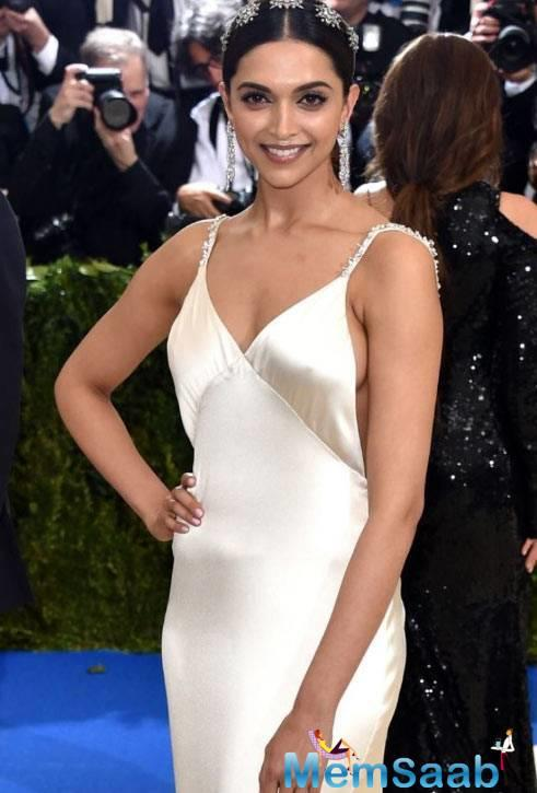 Deepika Padukone attended the Met Gala 2017 too, and she was every bit of an angel in white. The gorgeous ivory-white satin gown Deepika donned was probably the most 'nice' ensemble at the event.