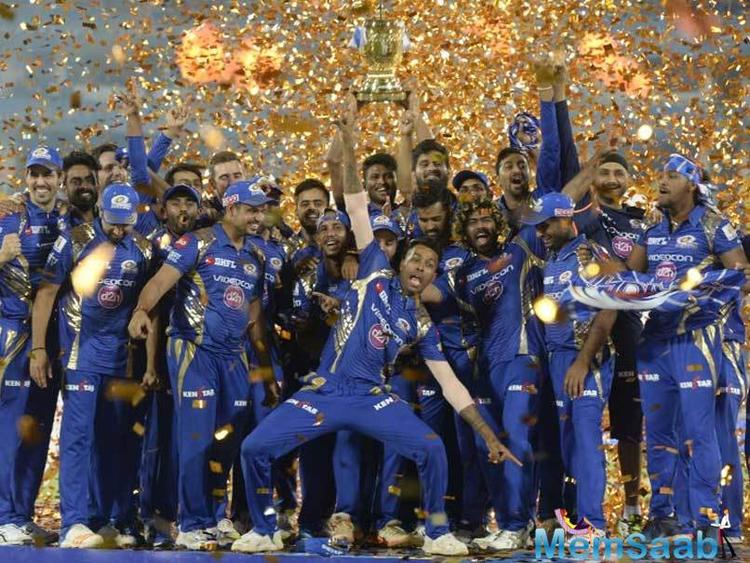 Mitchell Johnson bowled a splendid final over to defend 11 runs, With four to win, Sundar was run out attempting a third and victory was MI's