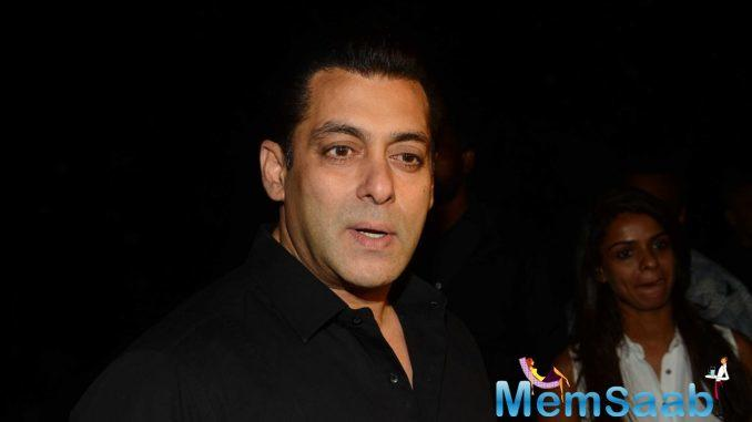 Salman Khan said, I don't like to watch Tubelight trailer as I see Om Puri in it and it kills me