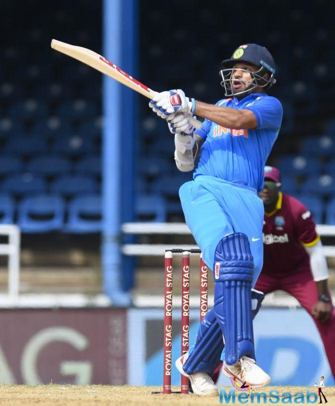 India had drawn away to a flying start with openers Shikhar Dhawan making 87 and Ajinkya Rahane hitting 62.
