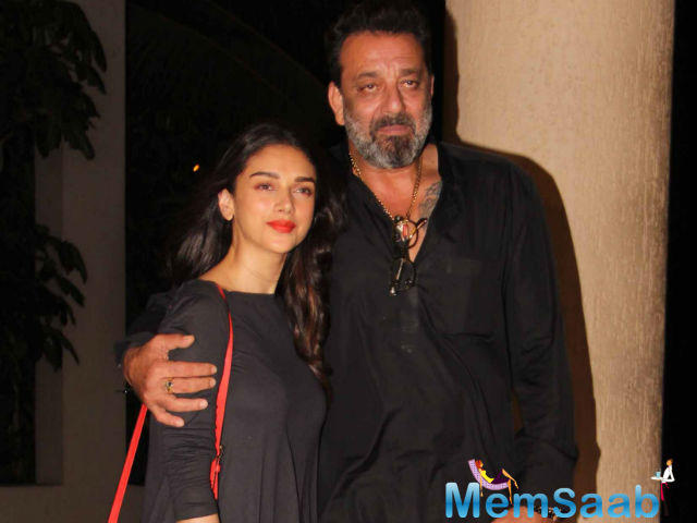 Aditi Rao Hydari spread smiles on social media by sharing an adorable picture with Sanjay Dutt.