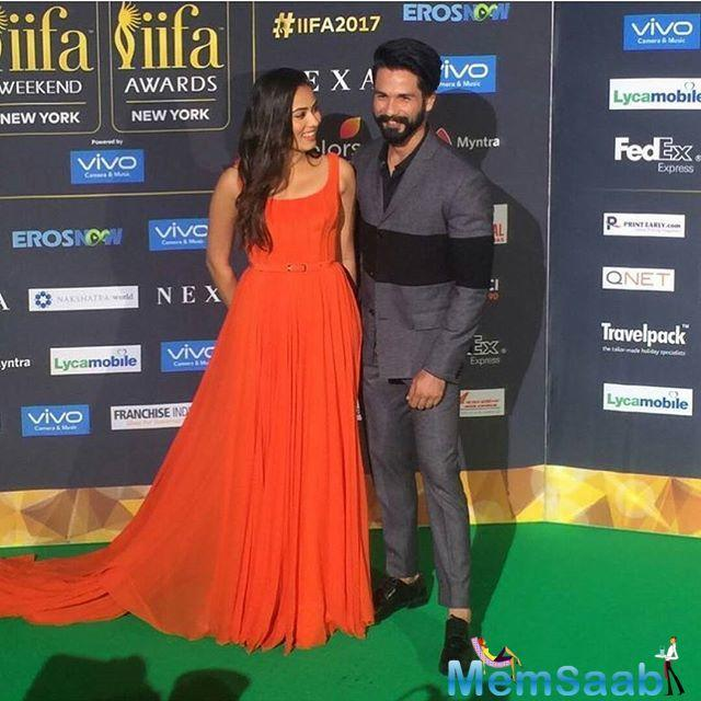 Obliging to Shahid, the host passed on the question from Mira to him, to which he gave an honest and witty response.