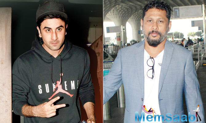 """A source reveals, """"Daddy Rishi Kapoor has warned son Ranbir to only focus on the Dutt biopic currently, and has asked him to refrain from doing biopics in future."""""""