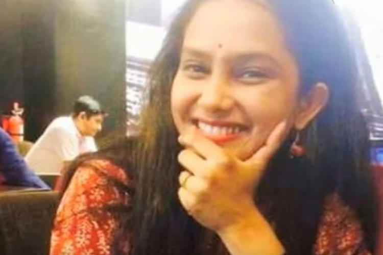 Bidisha is an Assam actress and she earned praises of the people of Assam with her brilliant acting in the drama 'Xanto Xisto Hristo Pusto Mohadusto.'